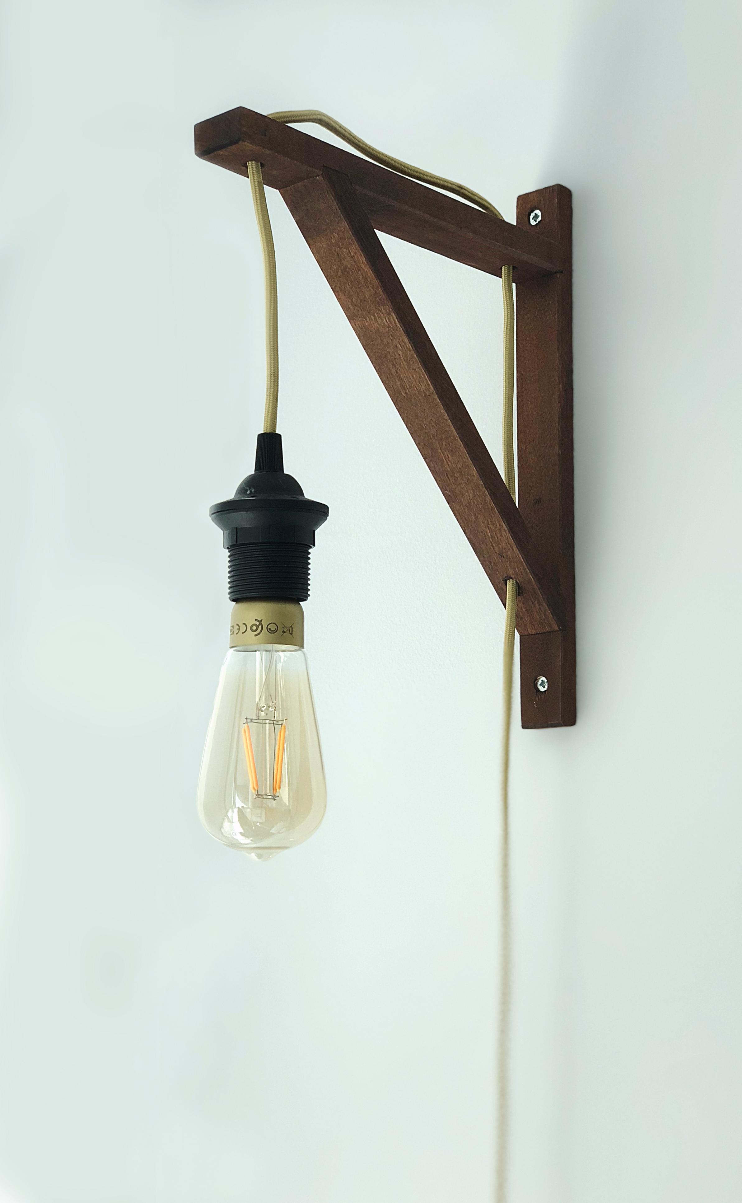 Kleiner Besprechungsraum – DIY-Lampe